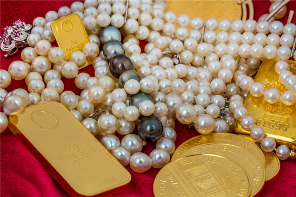 The Advantages of Buying Gold at a Pawn Shop