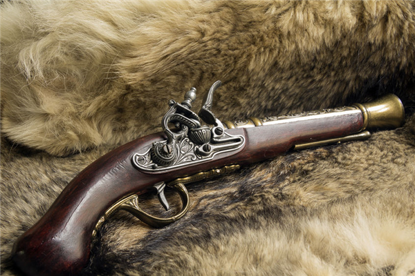 Historical Guns: How to Detect Fakes